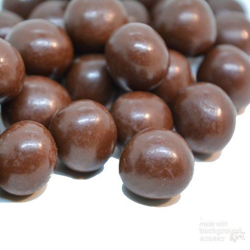 Mogyoró drazsé maracujás étcsokoládéban (10g)