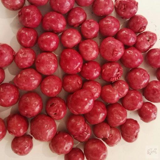 Ribizli drazsé fehércsokoládéban (10g)