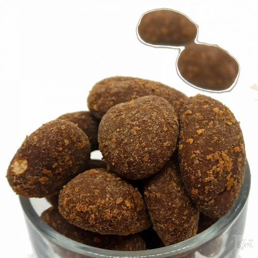 Pekándió drazsé sós-vaníliaporos- karamellás tejcsokoládéban (10g)